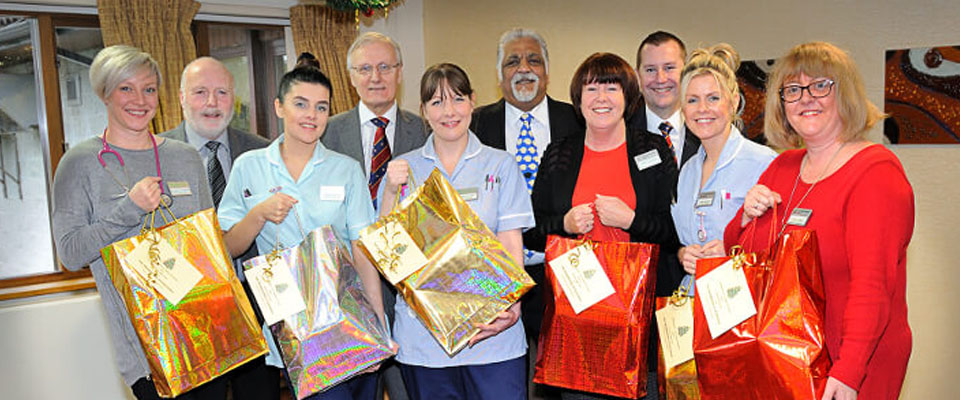 Rochdale Freemasons Provide Hospice Gifts