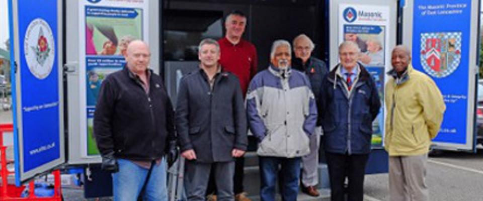 Rochdale Freemasons Help with Poppy Appeal - 2016