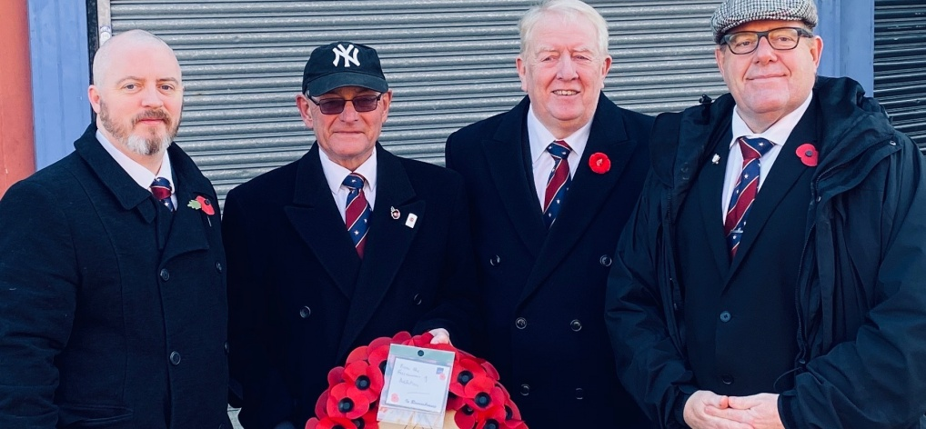 Ashton & Mossley Masons Lay a Wreath on Remembrance Sunday